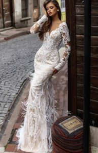 Brautkleid - Couture - ivory - Stickerei - Spitze Aermel- Empire