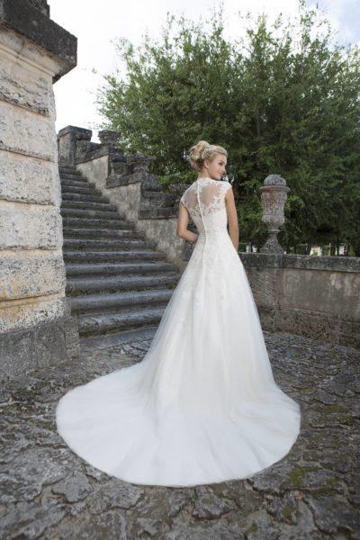 MF3536 (5) Brautkleid Curvy Plussize ivory Hochzeit Bitburg