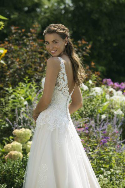MF5041 (2)Hochzeit Curvy XXL ivory blush Traumkleid Luxemburg