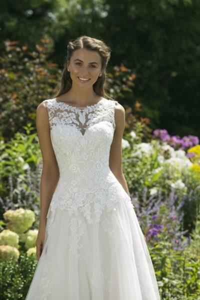 MF5041 Hochzeit Curvy XXL ivory blush Traumkleid Luxemburg